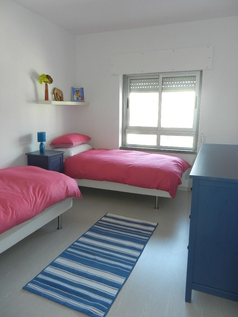 small room two twin beds Apartment Layout Apartment for rent in