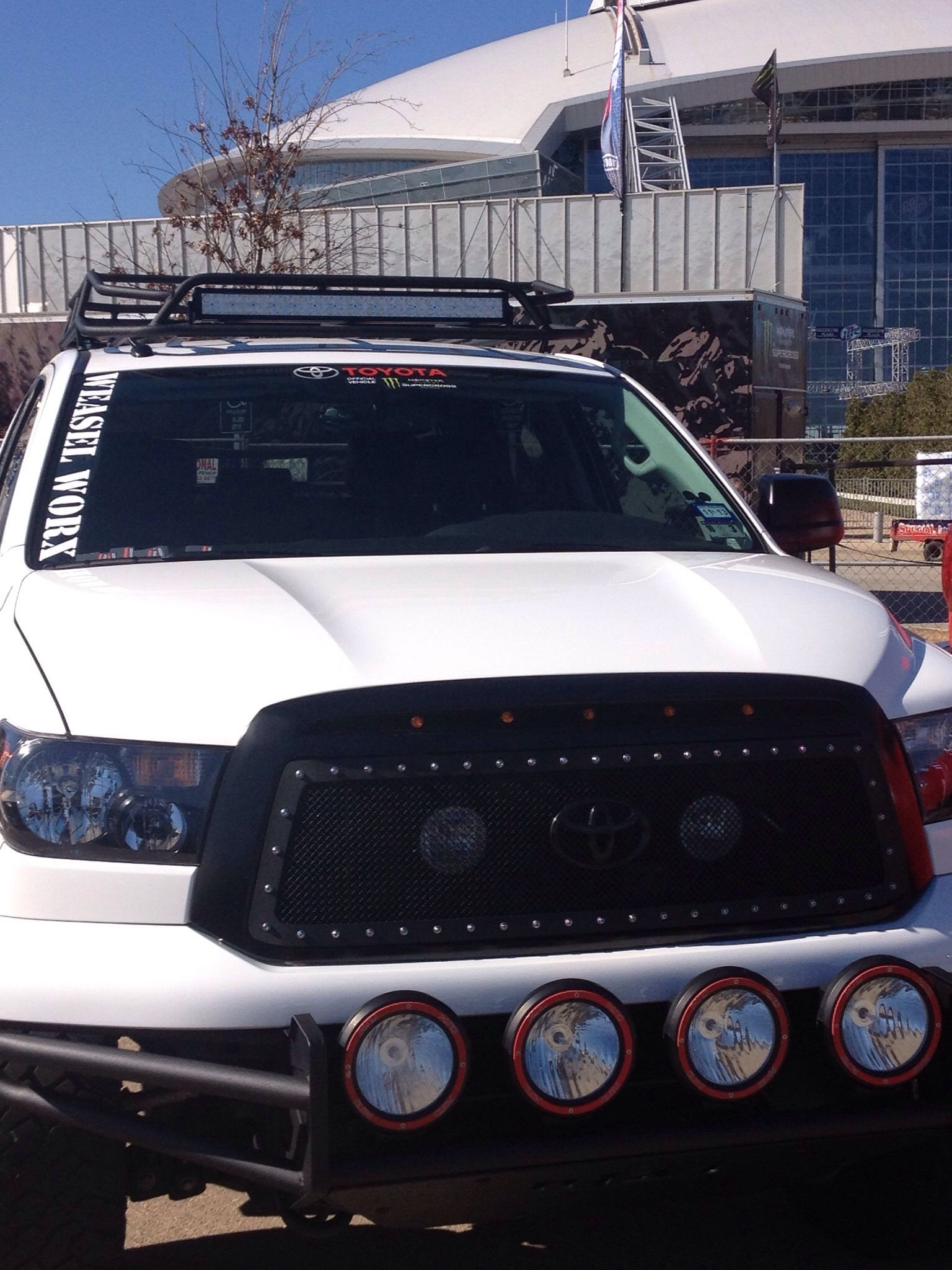 31 Quot Performance Series Led Light Bar On A Toyota Tundra