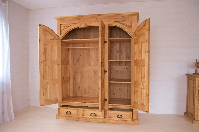 kleiderschrank hacienda pinie massiv hellbraun. Black Bedroom Furniture Sets. Home Design Ideas