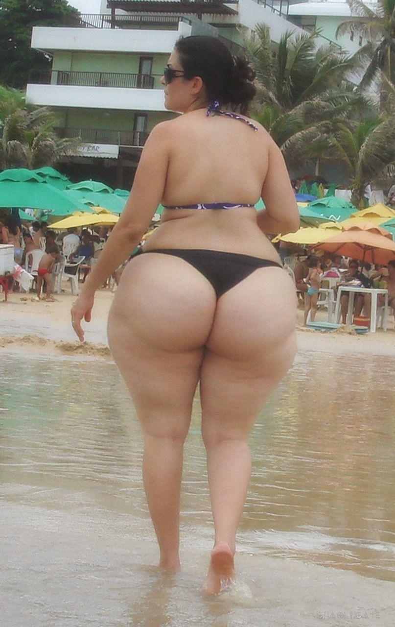 Mature cellulite ass