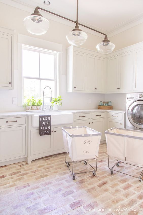 20 Farmhouse Laundry Rooms to Drool Over #laundryrooms