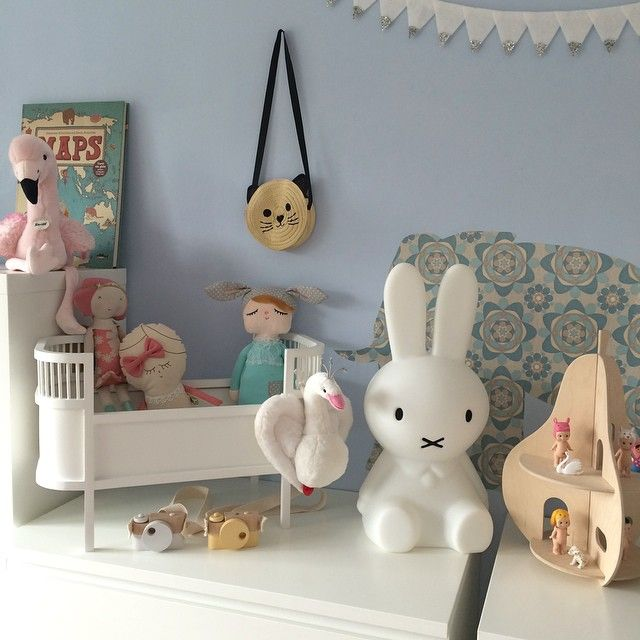 Kidsroom - Miffy-Lampe, Mini Sebra Kili Bett, Spielhaus Birne