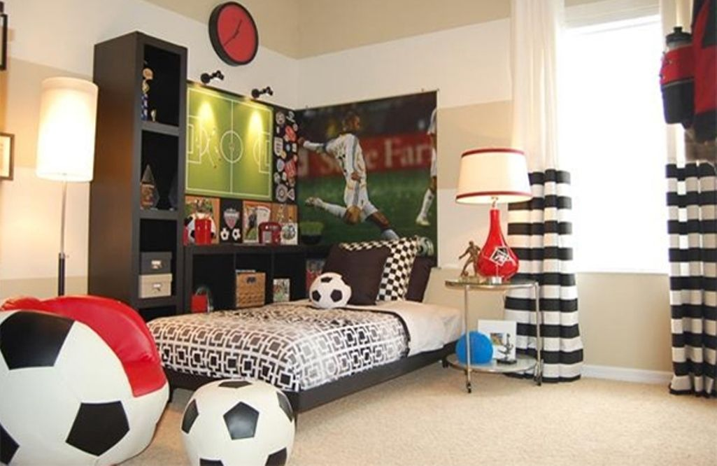 15 Sports Inspired Bedroom Ideas For Boys Rilane We Aspire To Inspire Soccer Bedroom Soccer Themed Bedroom Toddler Bedroom Design