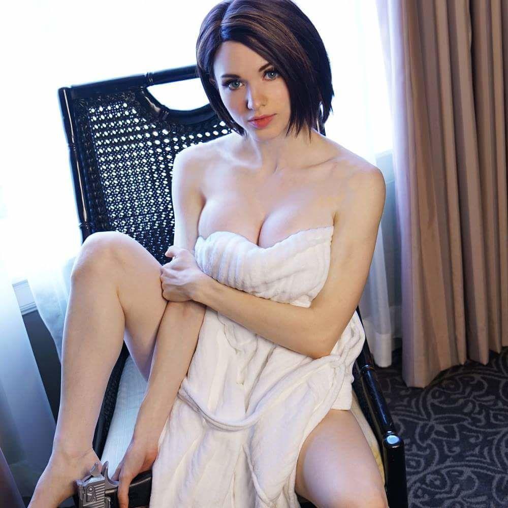 Amouranth Kaitlyn Bezos Hot Brunette Model Women