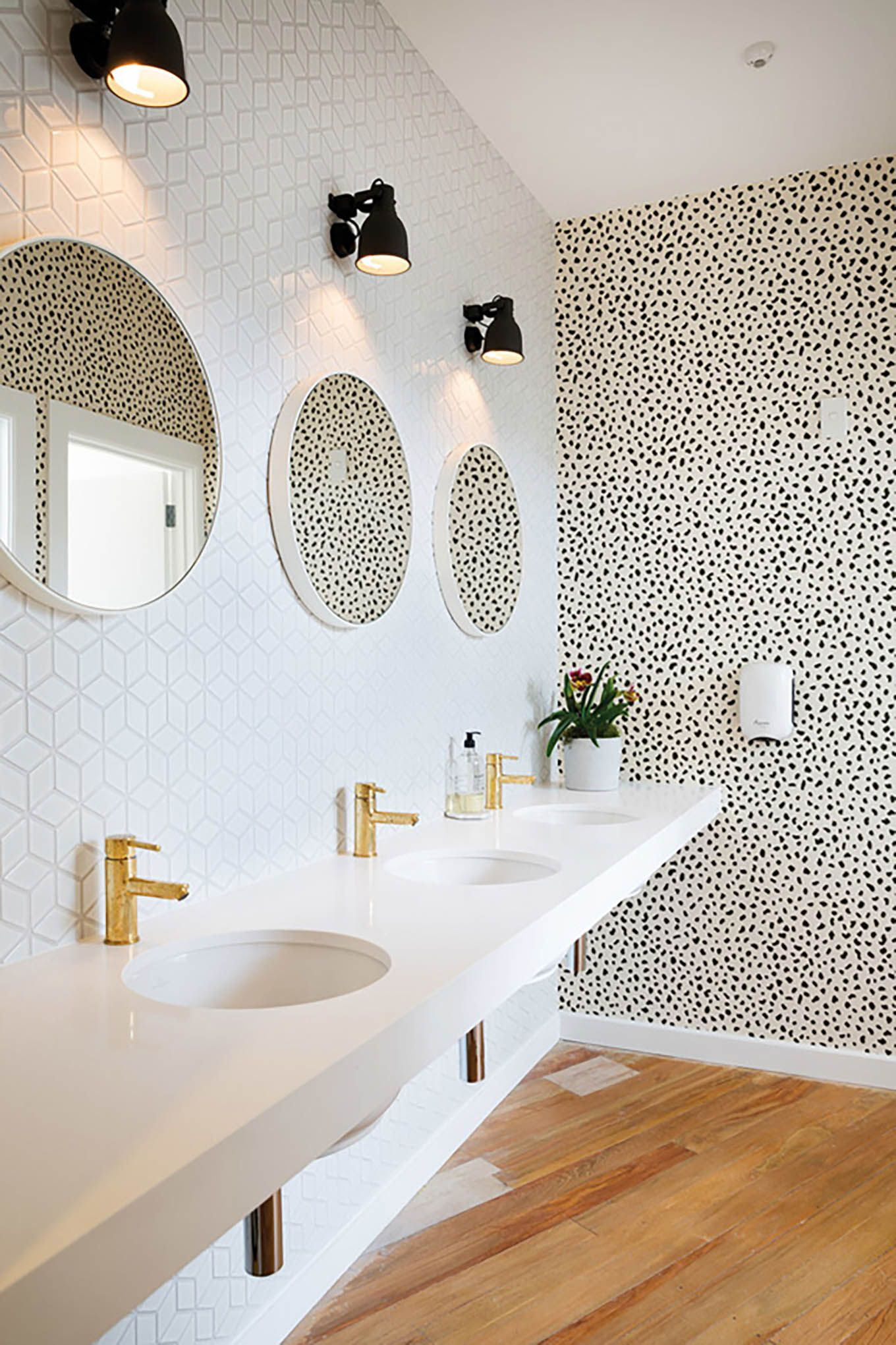 3 Powder Rooms That Will Make You A Wallpaper Believer Hello Fashion Restroom Design Commercial Bathroom Designs Bathroom Inspiration