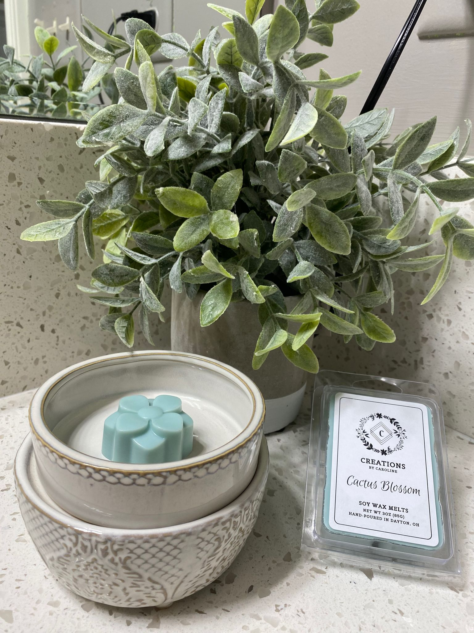 New wax melt scents are being uploaded to Etsy now! First on the list—- Cactus Blossom! Available in limited quantities. The Country Lemonade  Clean Cotton scents will be on Etsy today! —-also in limited quantities! Check out Etsy!  #etsysellersofpinterest #limitedstock #newscents