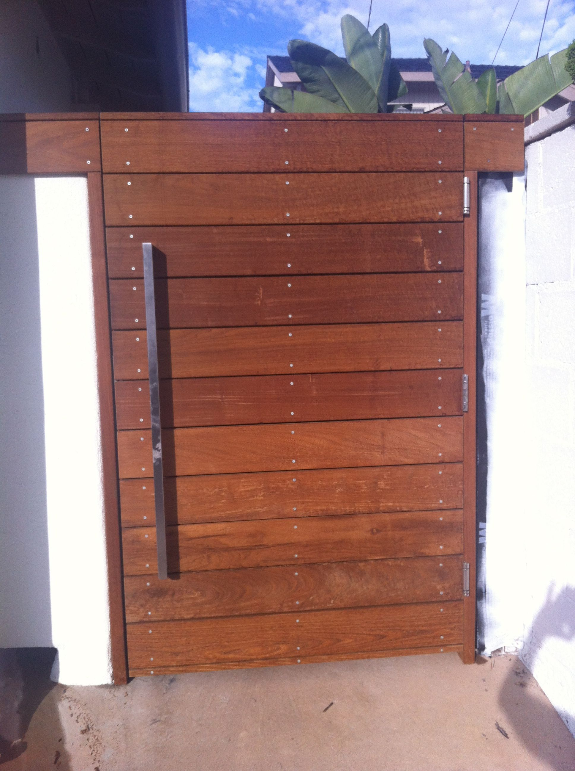 side gate option - horizontal slats with thing vertical metal handle