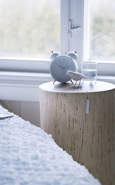 Baumstamm Als Tisch (Krasser)   Leuchtend Grau