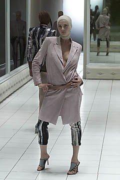 Alexander McQueen Spring 2001 Ready-to-Wear Fashion Show - Alexander McQueen