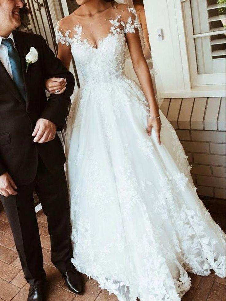 Wunderschöne A Line Scoop rückenfreie weiße Spitze Brautkleid mit Applikationen | Dressmeet.com #fashionablebeddingideas - hochzeitskleid4.tk - Hochzeitskleid 2019 #spitzeapplique
