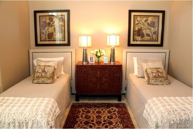 Ordinaire Guest Bedroom With Two Twin Beds By Joan Klick, Interior Designer From Star  Furniture In