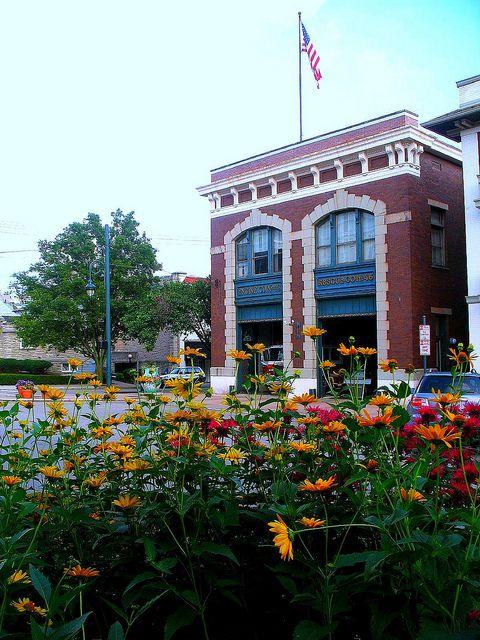 HP Square Fountain. - Yelp  |Hyde Park Square Cincinnati Ohio