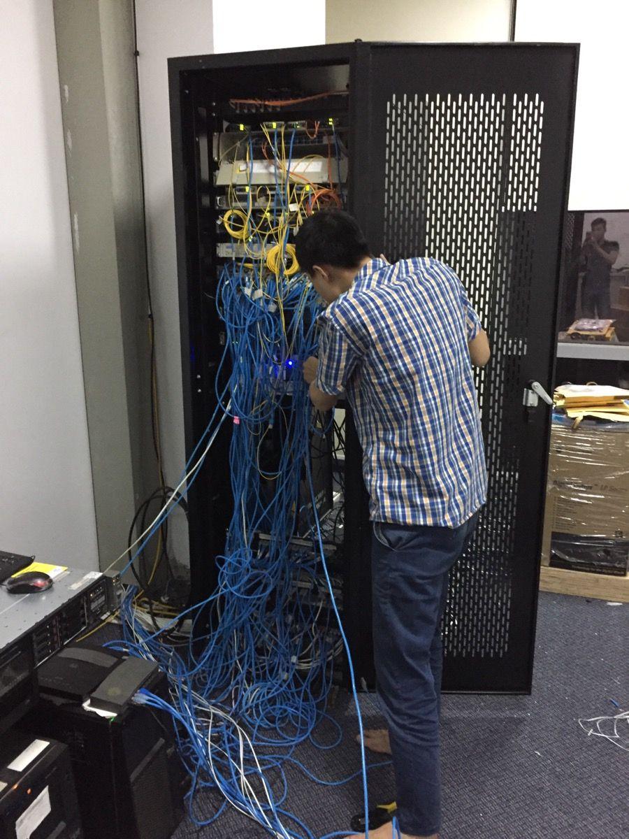Thi công lắp đặt hệ thống mạng Lan cho ngân hàng   Lặn, Công