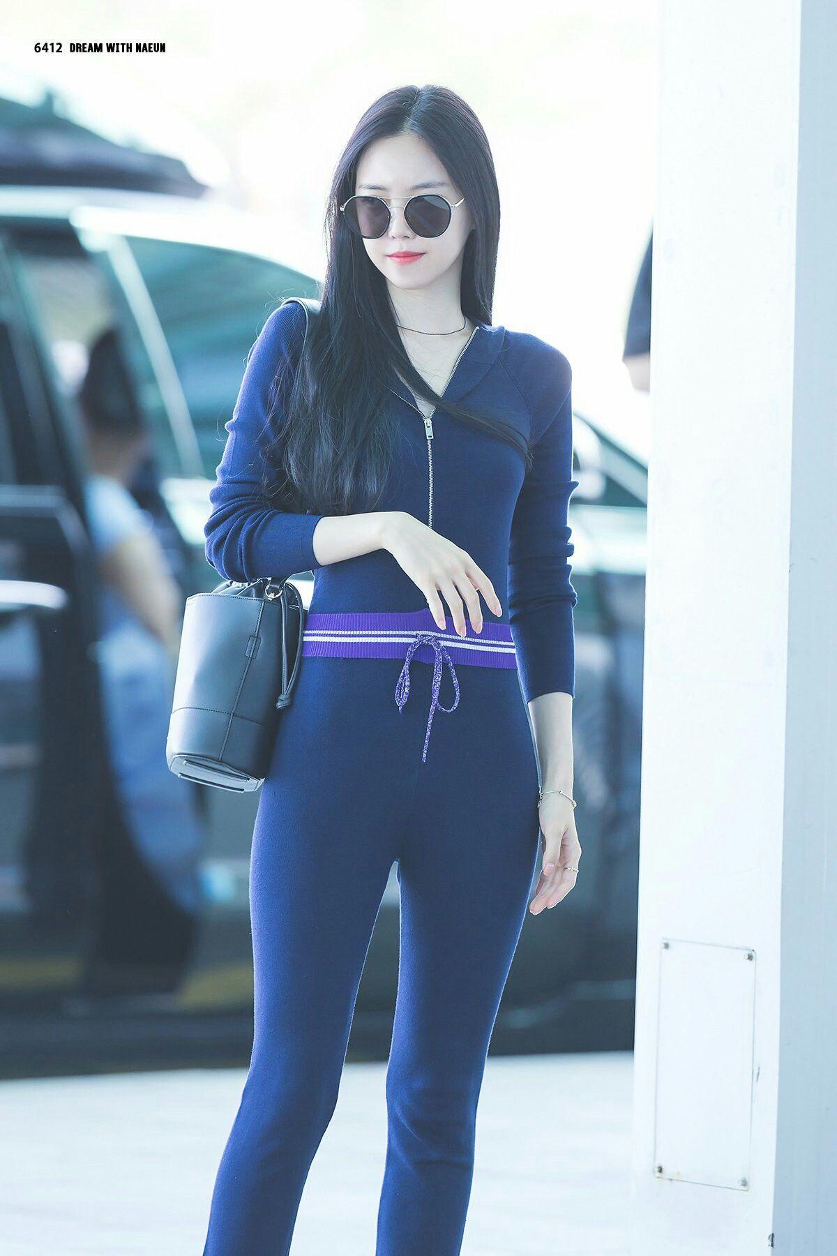 Naeun fashion airport #Apink (มีรูปภาพ)