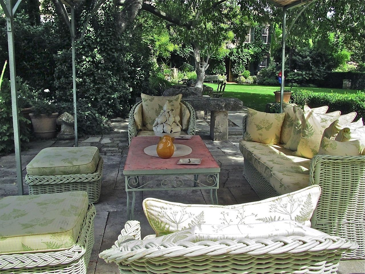 Margaret Kirkland Interiors | Portfolio, Patio Outdoor Space