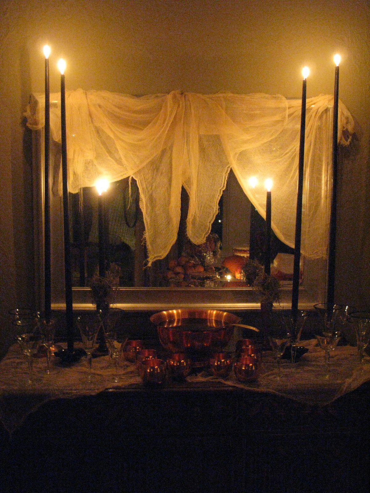 Sleepy Hollow Halloween Makeover Via Eddie Ross #Halloween #Yardhaunt #Halloweendecor