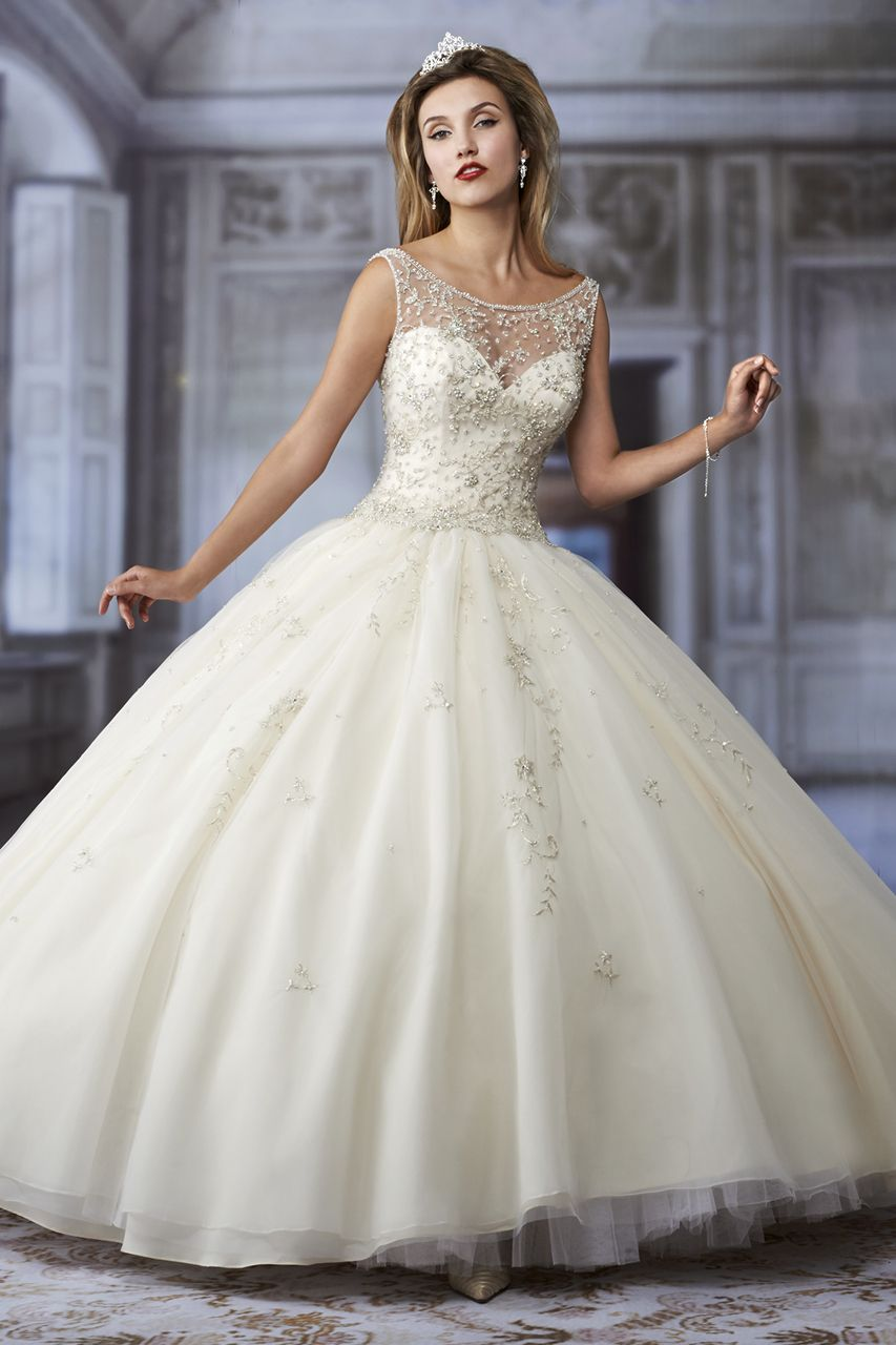 Wedding Gown Gallery White quinceanera dresses, Dream