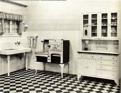 Wow What A 1920s Kitchen 1920s Kitchen Kitchen Decor Apartment