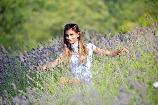 È ancora#estateconDAPHNÉ Inconfondibile lavanda della Riviera dei Fiori,porta il profumo delle vacanze a casa tua! www.daphne.it #fashion #fragrance #lavenderfields DAPHNÉ Lavanda monatanina#newcollectionfoto©Stefano Borea, Modella Sonia Riolo