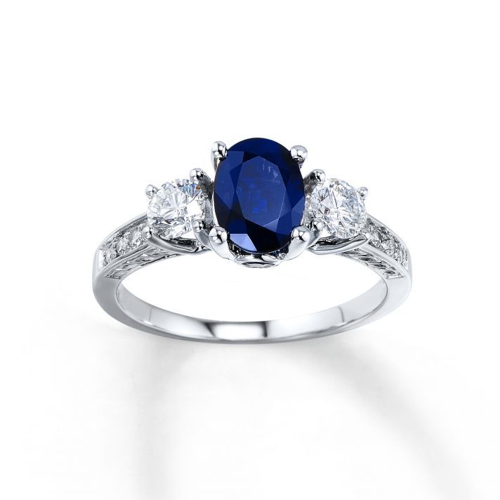 Fall In Love With These Engagement Rings from Jared The Galleria Of