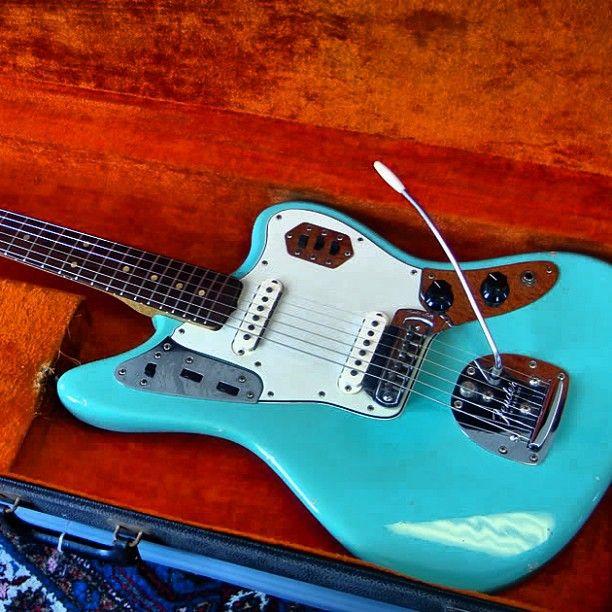 @c_guitars's photo