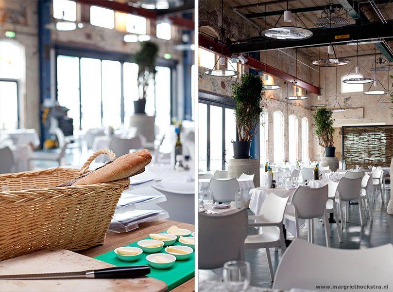 Restaurant Stork, gevestigd in een oude industriele loods aan de Noordelijke IJ oever in Amsterdam. - Interieur