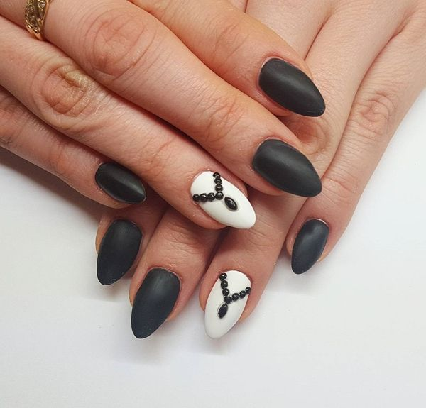 12 Top Classic Nails Designs for Girls 2017 - Reny styles - 12 Top Classic Nails Designs For Girls 2017 - Reny Styles Black
