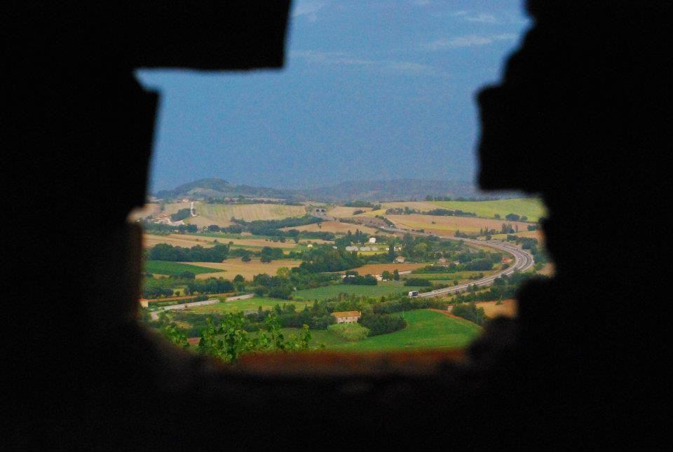 Vista della terra romagnola dal castello di Gradara.