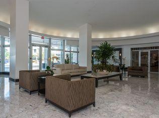 1200 West Avenue APT 707, Miami Beach, FL 33139 - Lobby #seating #lobby #widespace
