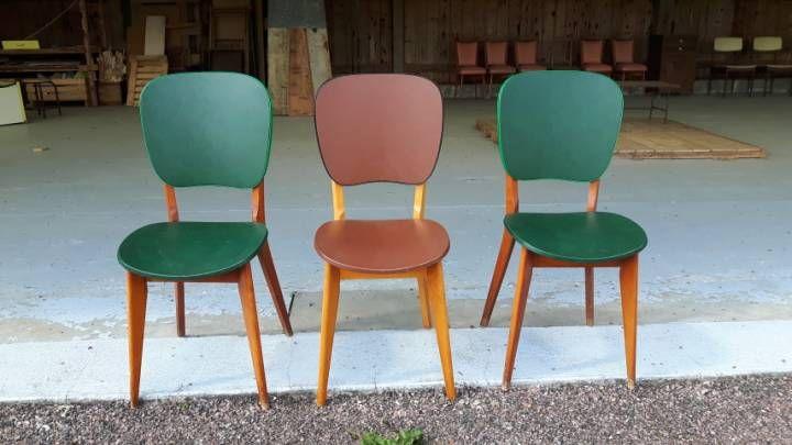 chaise bois et sky marron