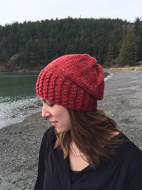 """stitcherywitchery: """"Twist and Slouch – a free pattern for a knit hat ..."""