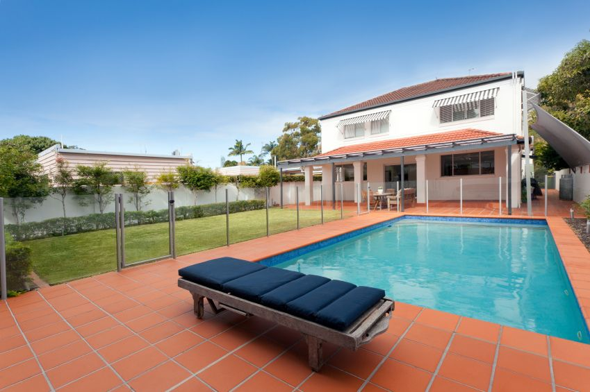 What Are The Pros Cons Of Glass Fencing Glass Pool Fencing Glass Pool Pool Fence
