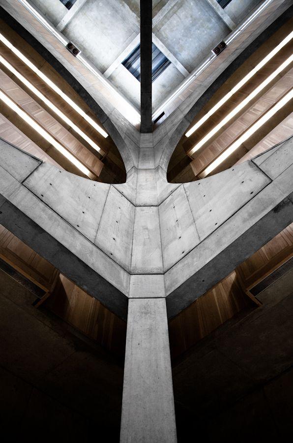Atrium. Louis Kahn, Exeter Library. Exeter, New Hampshire, 1972.