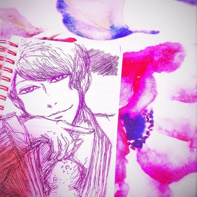 月島を100均のノートに描きました。 4巻表紙より。( ・ᴗ・ ) 追記:月山だった。 #絵 #東京喰種 #東京グール #月山 #100均