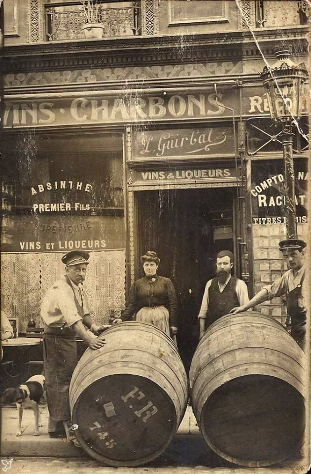 Vins Et Charbon Maison Guirbat 15 Rue Rambuteau 4eme Paris Photos Old Paris Paris Photography