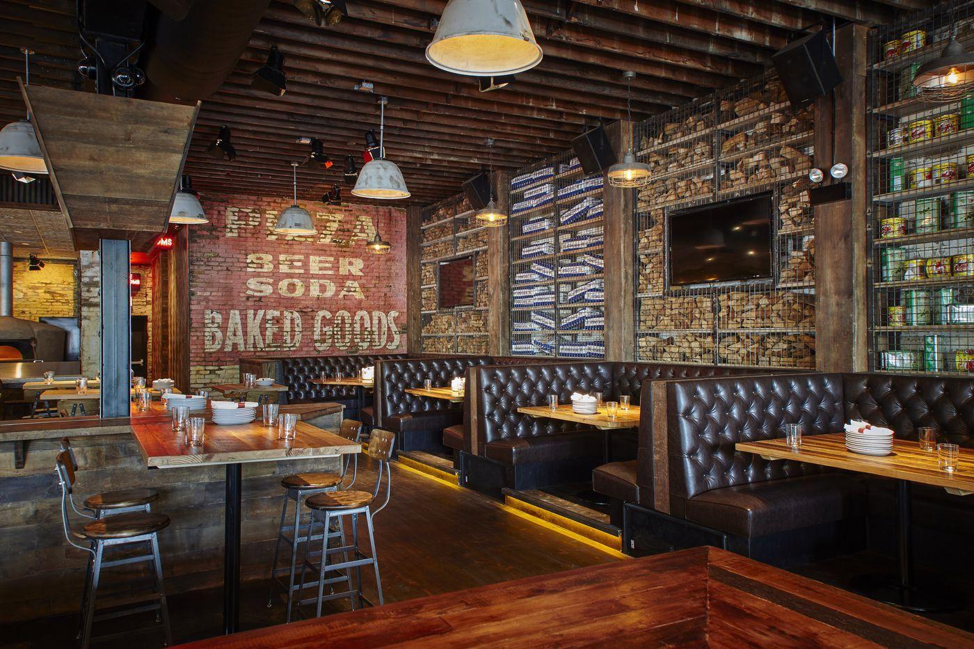 Tour Parlor Pizza Bar Wicker Park Division Street S Massive New Outdoor Space Pizza Bar Parlor Pizza Bar Pizzeria Design