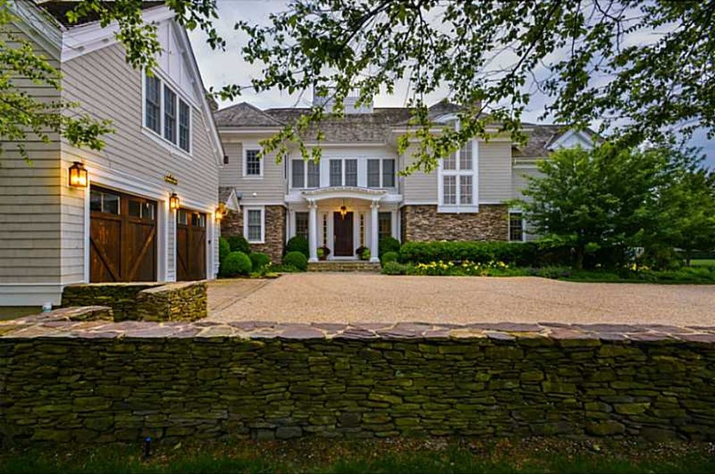 231 Carnegie Harbor Dr Portsmouth Ri 02871 Zillow Exterior
