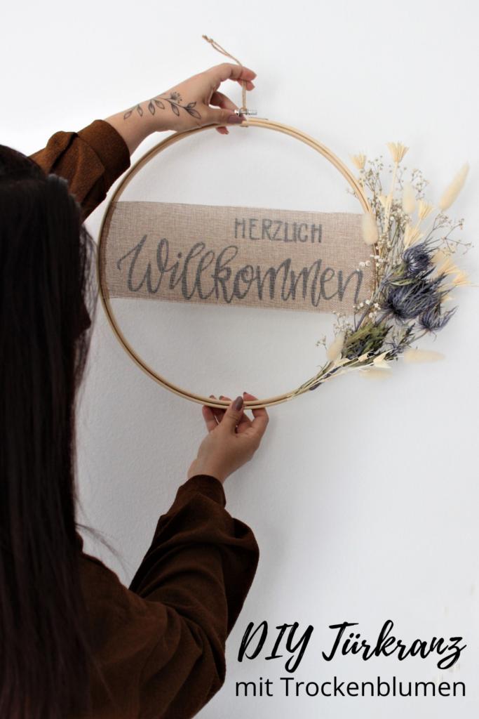 DIY Türkranz mit Trockenblumen binden - Deko