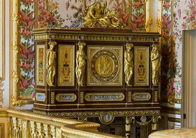 Chambre de la reine le serre bijoux de jean ferdinand for Meuble a bijoux