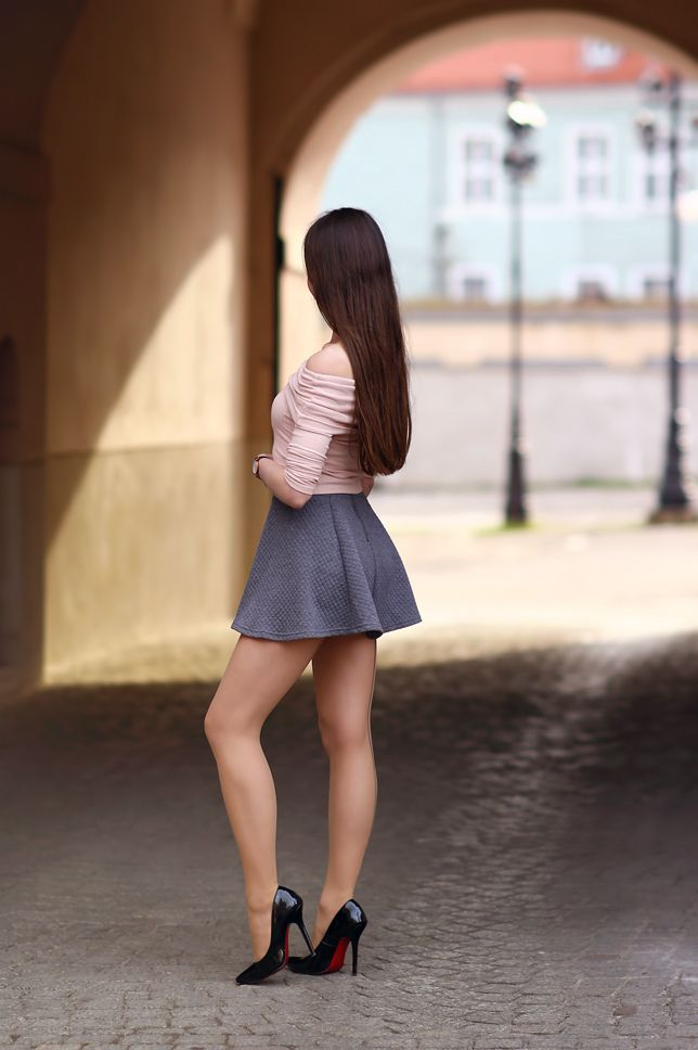 Girls in skirt open legs, women with young men sex