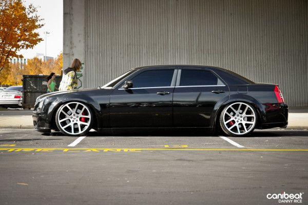 Black Chrysler 300