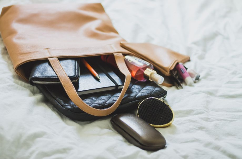 What's in my bag? // PIcture Me