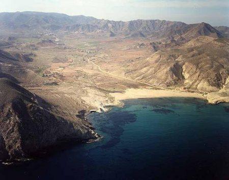 Almería Nueva Amenaza Para El Cabo De Gata Proyectan Construir Un Hotel Rural En El Camino De El Playazo De Ro Cabo De Gata Costa De Almeria Los Cabos Mexico