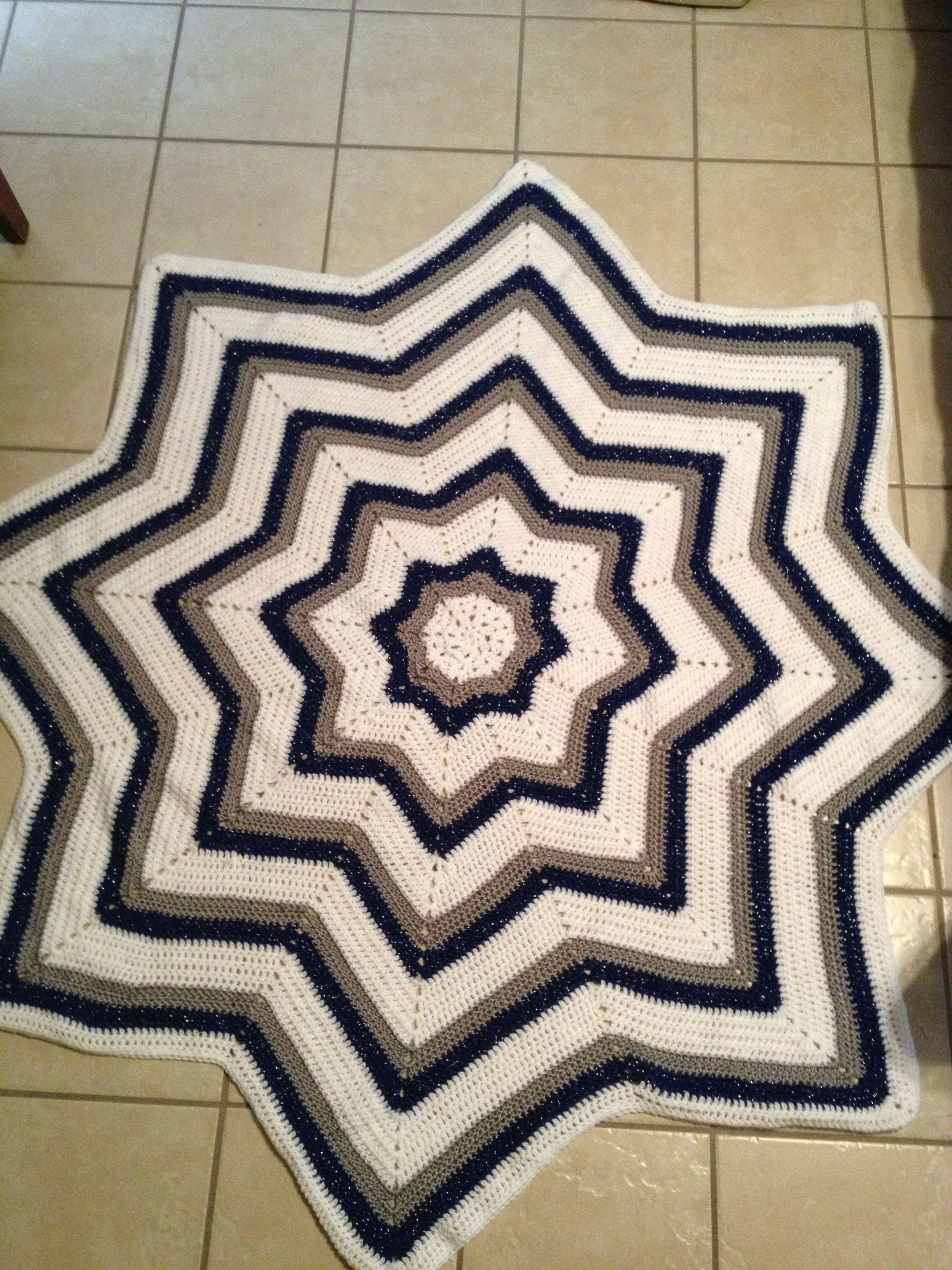 I love the 8 star crocheted afghan pattern this one is a i love the 8 star crocheted afghan pattern this one is a beautiful dallas cowboy bankloansurffo Images