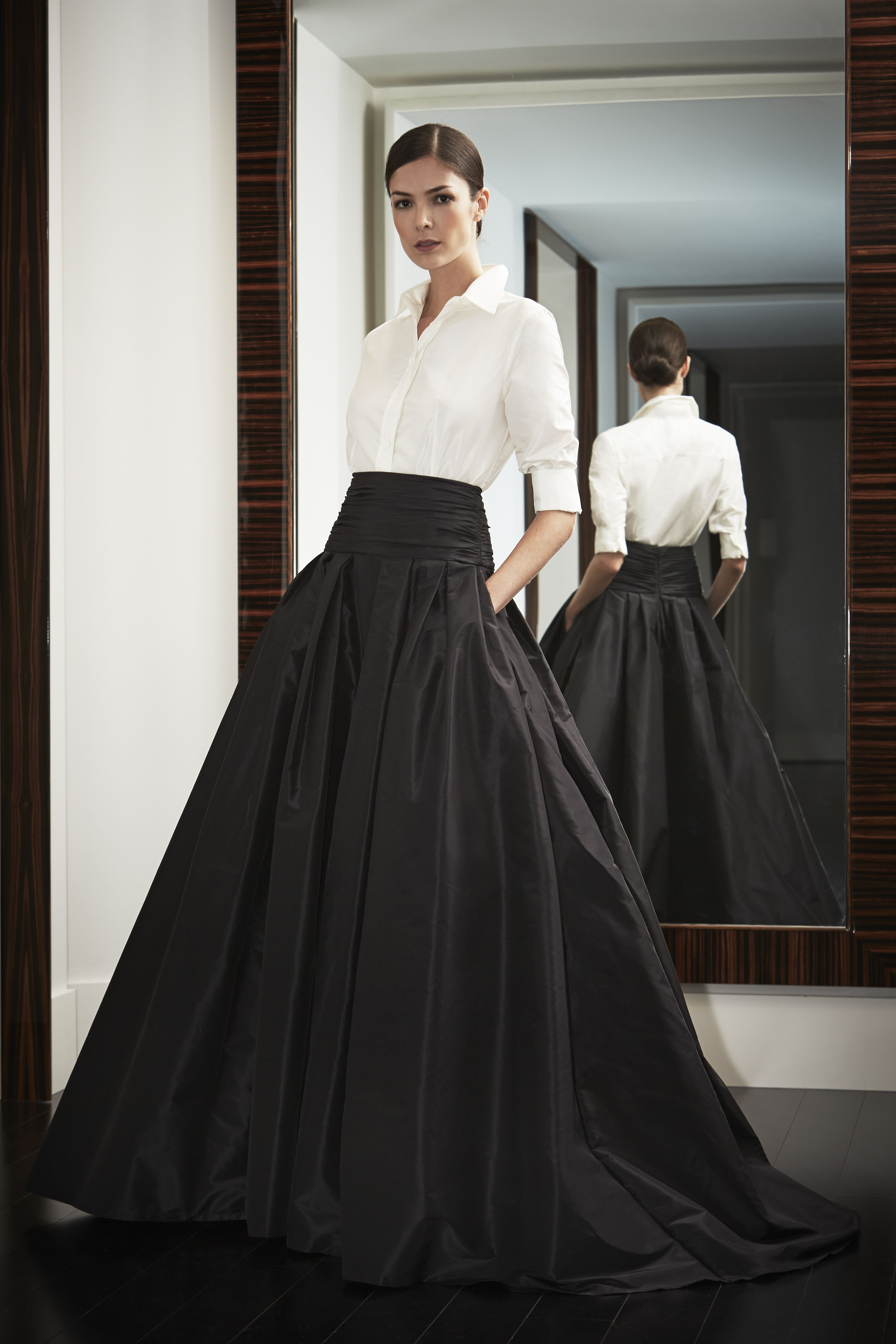 21 Classic Must-Have Items for Every Wardrobe   Carolina herrera ...