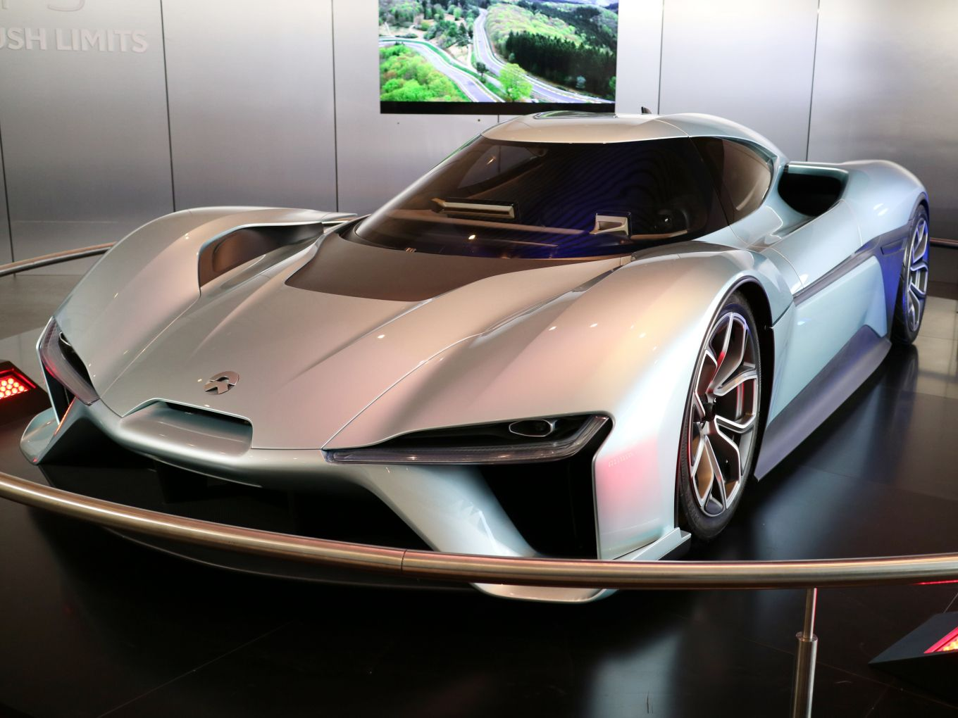 Chinese Electric Vehicle Maker Nio More Concerned With User Experience Than Rival Tesla Techcrunch High Performance Cars Vehicles Tesla