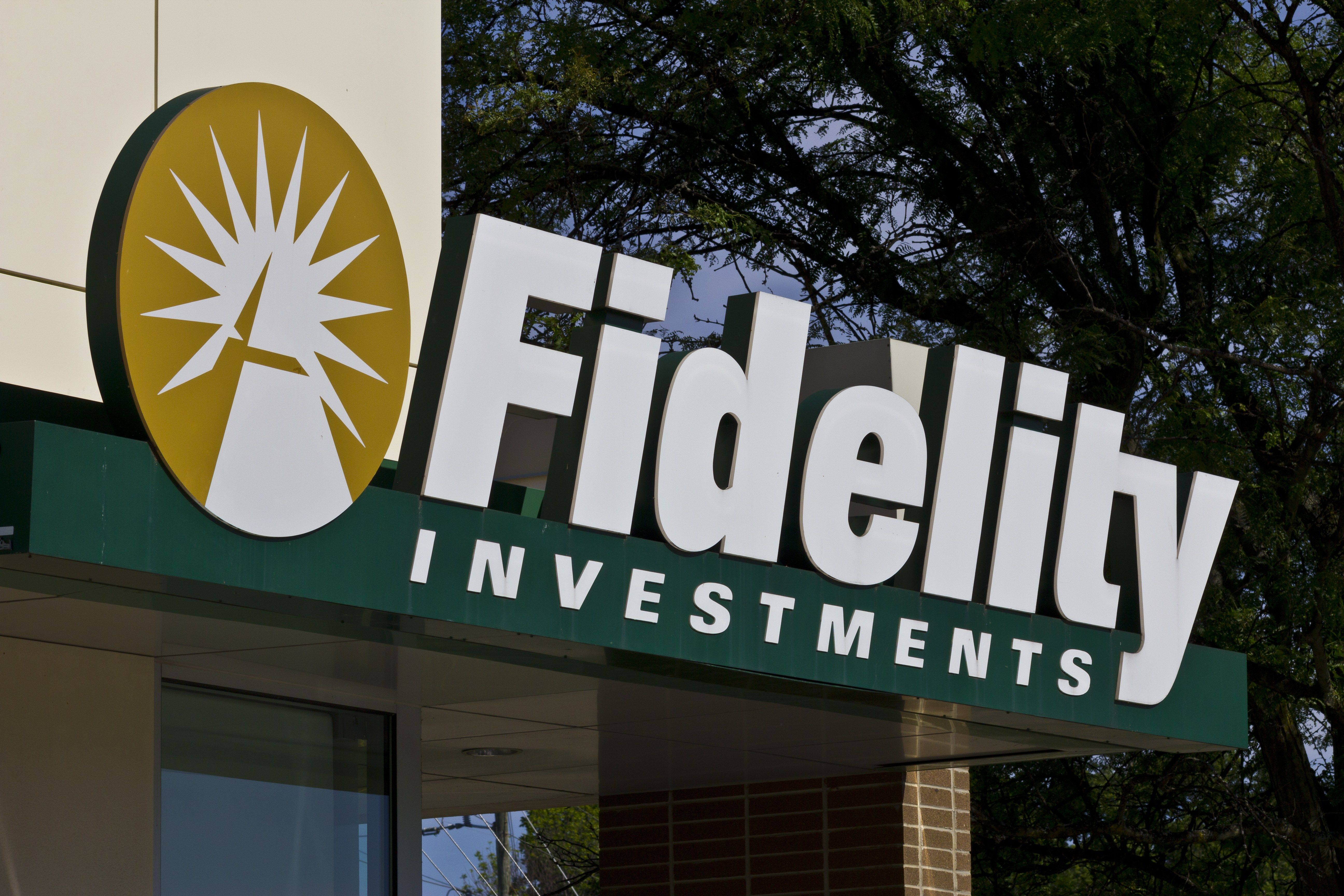 Fidelity lowers fees on 27 index mutual funds etfs