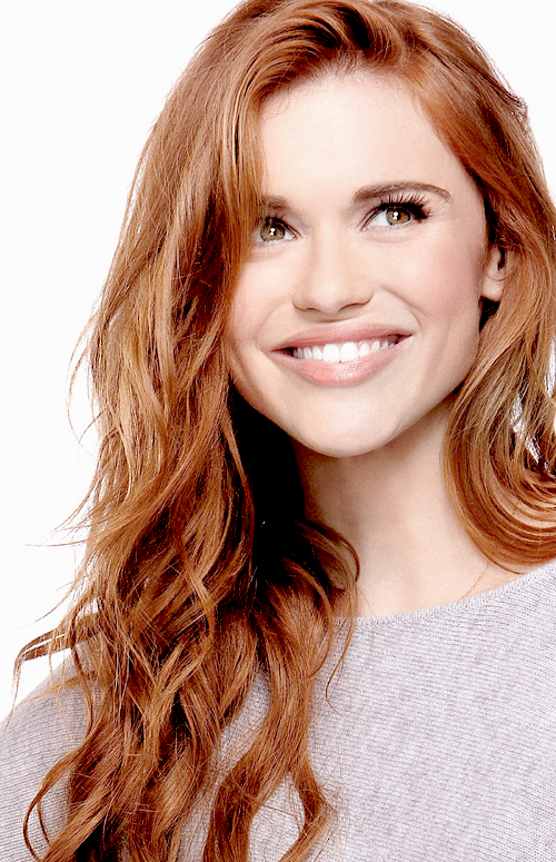 Holland Marie Roden Is Kinda Cute And By That I Mean Shes