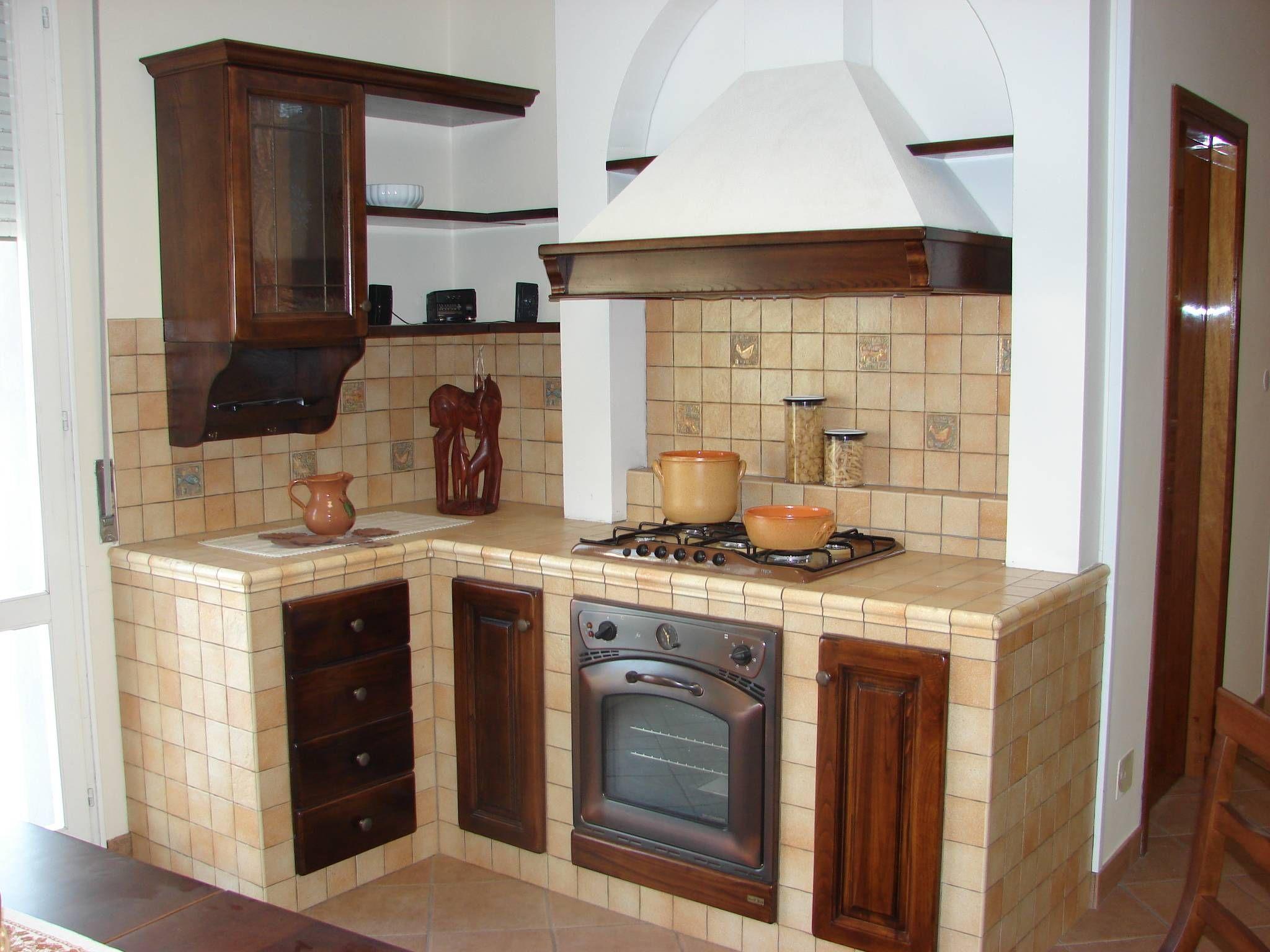 Cucina muratura piccola google cucina in muratura pinterest cocinas rusticas y - Mobili cucina con tendine ...