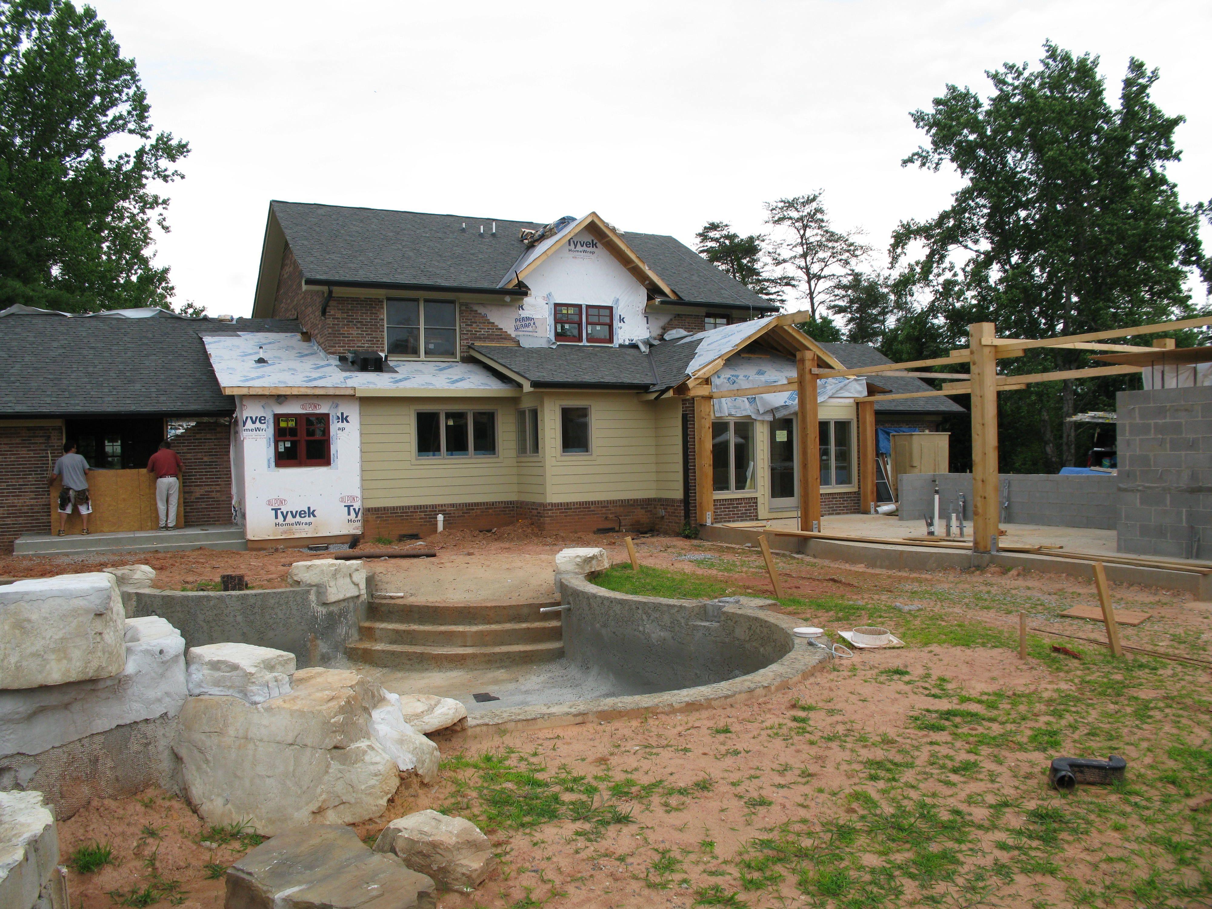 Are you ready to add a custom #SwimmingPool to your beautiful home? #Lowcountry http://lowcountrycustompoolandspa.com/splash/